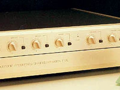 Accuphase F-15L