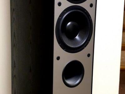 Used Paradigm Monitor 7 v3 Floorstanding speakers for Sale