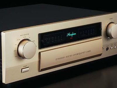 Accuphase C-2400