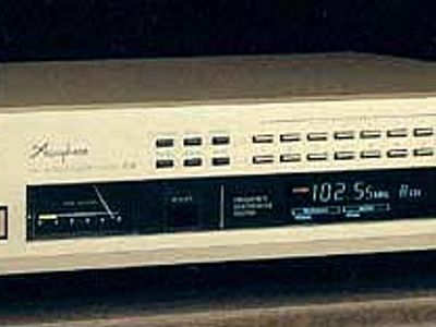 Accuphase T-11